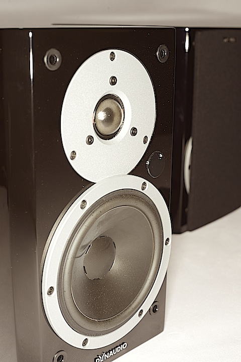 Dynaudio Xeo 3 – off with wires!